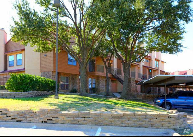 313 Condo Style - Dfw Airport - Irving - Apartament