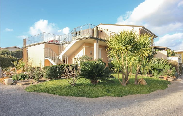 Holiday apartment with 2 bedrooms on 70m² in Sant'Anna Arresi