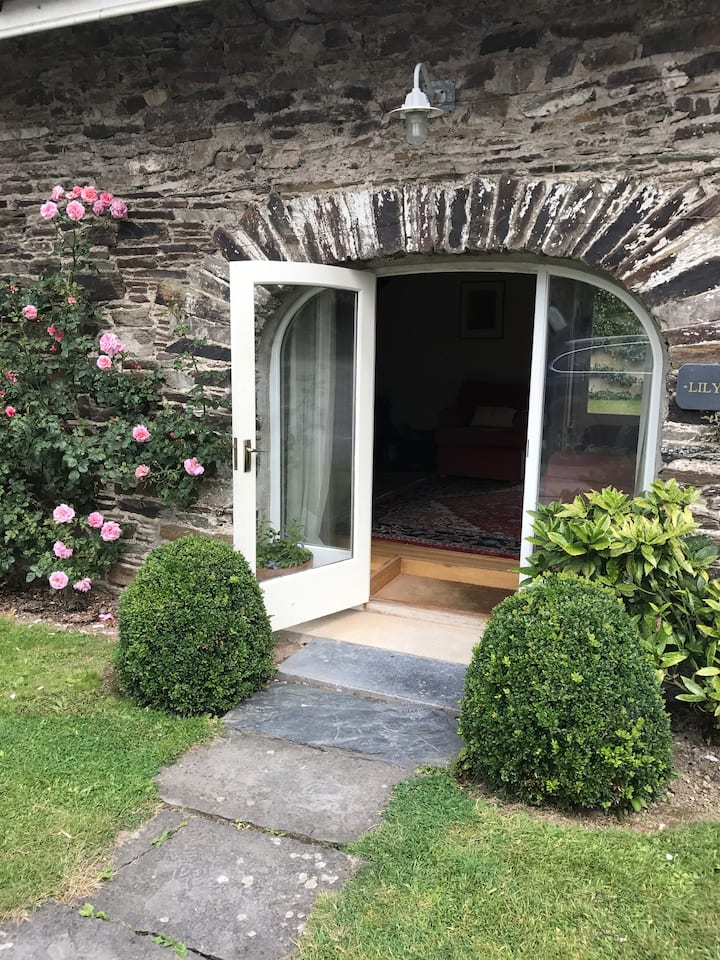 Lily Rose Cottage