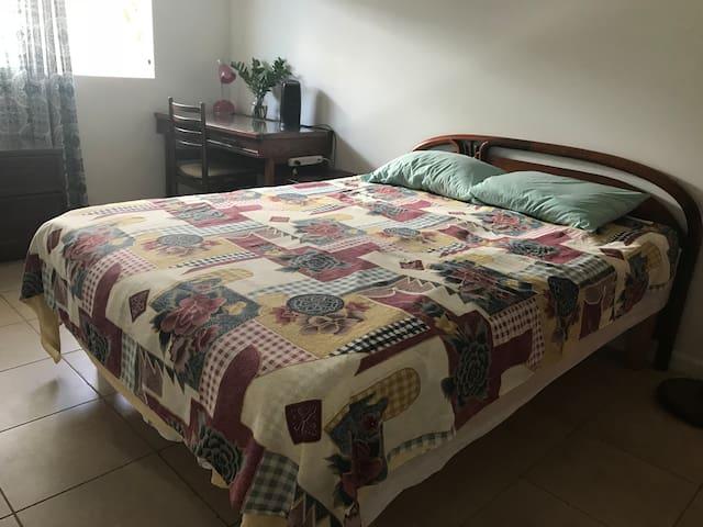 Private comfortable single room