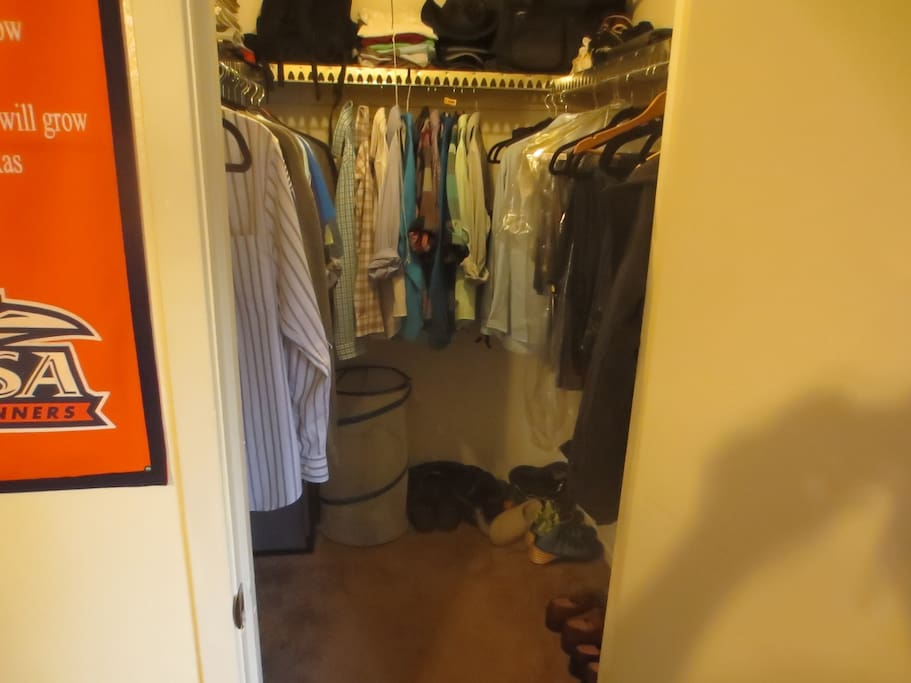 Walk in Closet with room for your things