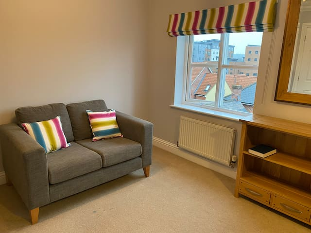 Fab Extra Large Room, City Centre, King Size Bed.