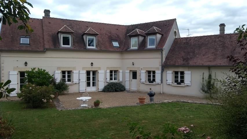 Maison spacieuse - Oise proche Paris CH2