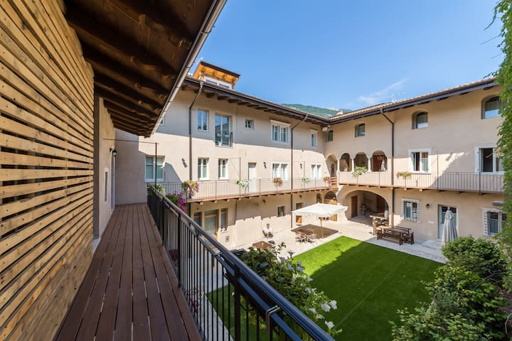 Camera in Palazzo Storico - Rovereto - Bed & Breakfast