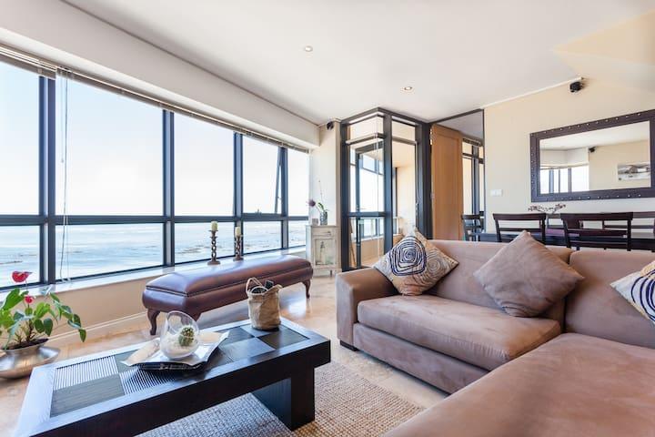 Stunning beachfront sea-view flat - Cape Town - Apartment