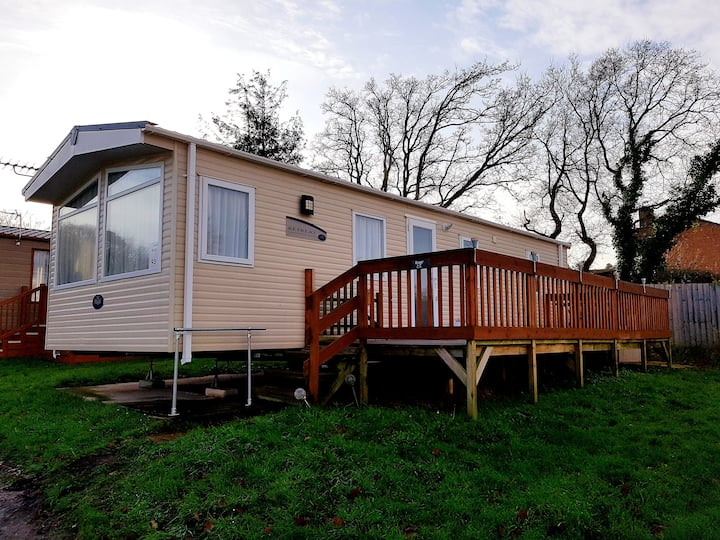Coastal chalet on award winning holiday park ***