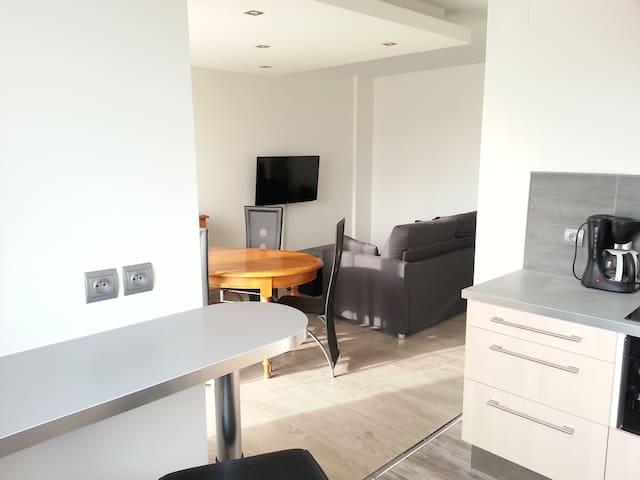Beau 2 pièces dans résidence calme - Dijon - Apartamento