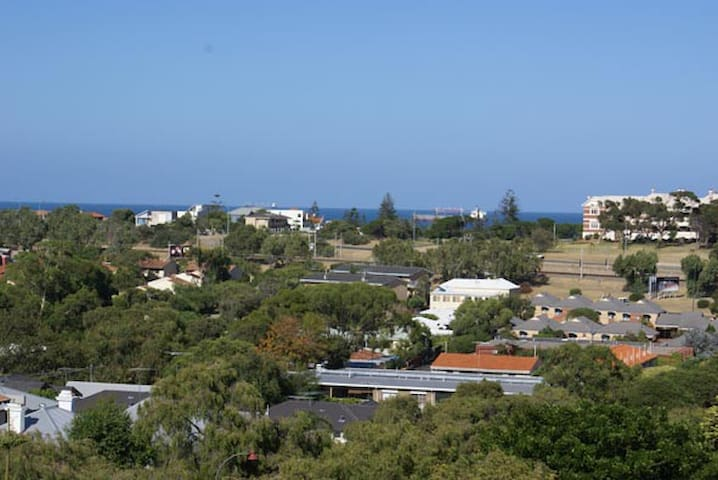 Ocean and City Views - Mosman Park - Apartamento