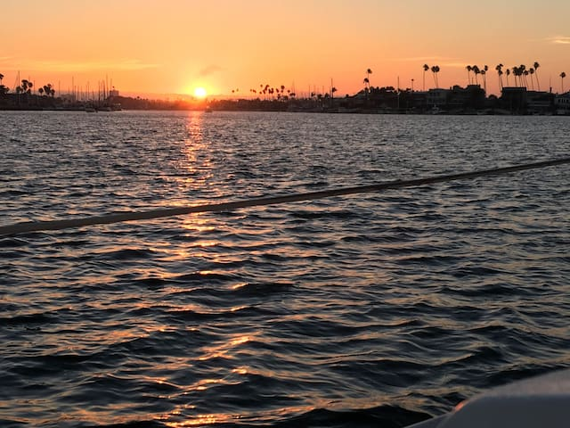 Stay on the Water in the best spot in Newport - Newport Beach - Barca