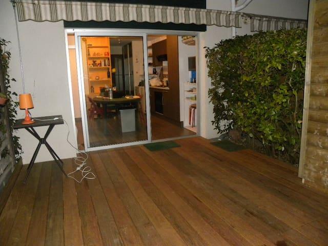 Pyla sur mer studio et jardin privé - La Teste-de-Buch - Lägenhet