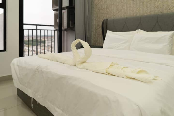 【Cozy Lifestyle Serviced Apartment】【5Star Airbnb 】