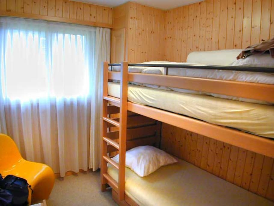 Bunkbed in the second bedroom