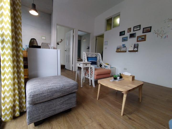 花蓮火車站旁,家庭式溫馨房,兩房一廳一廚