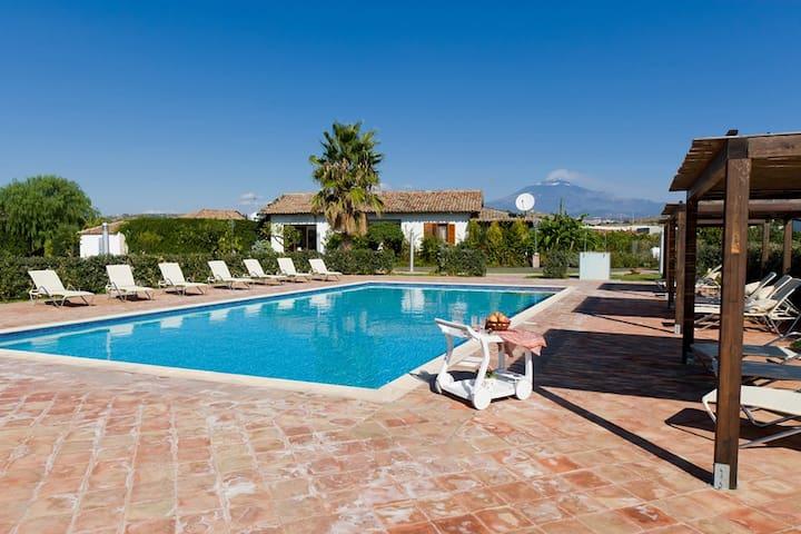 Amazing villa in Agriturismo D West - misterbianco - Villa