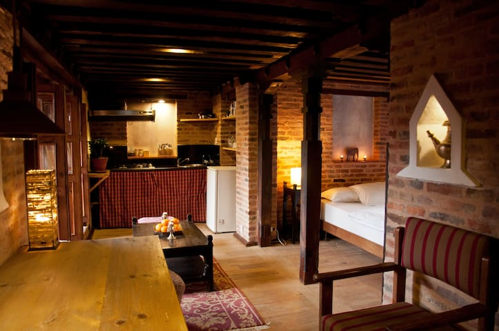 Flat in beautiful Newari house - Charming! - Kathmandu - Lägenhet