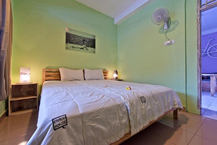 Riviera Home: Bright Private Room in design house