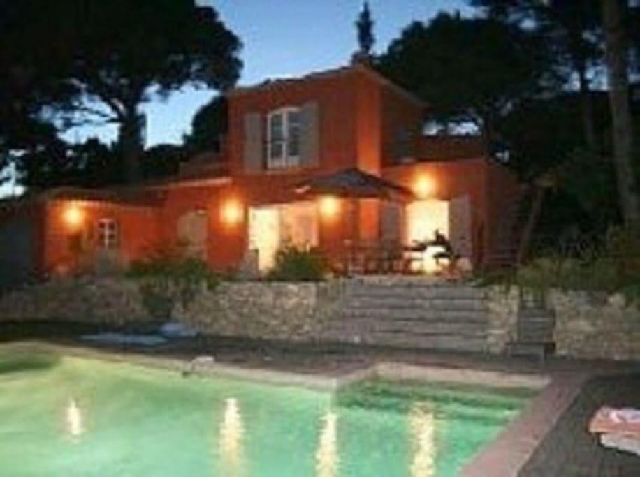 Villa Sol y mar nuit