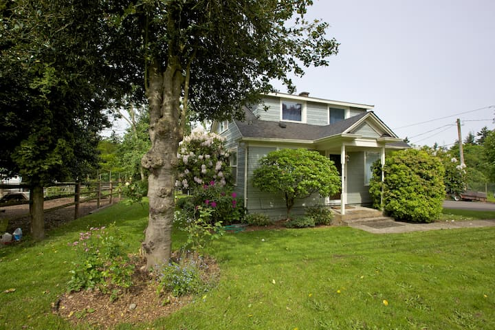 Suburban Farm House near Seattle - Des Moines - Casa
