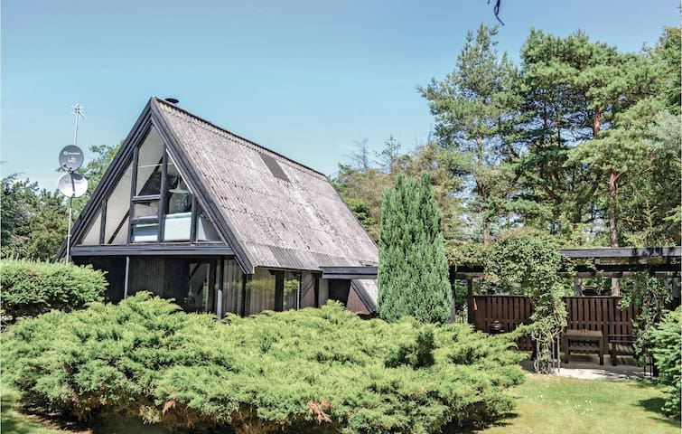 Holiday cottage with 2 bedrooms on 89m² in Idestrup