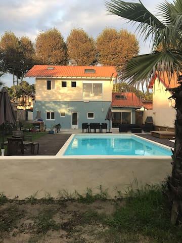 Maison neuve avec piscine