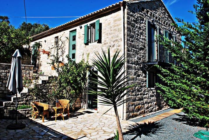 Paxos Holiday Villa (myPaxos) -MUST - Platanos - Villa
