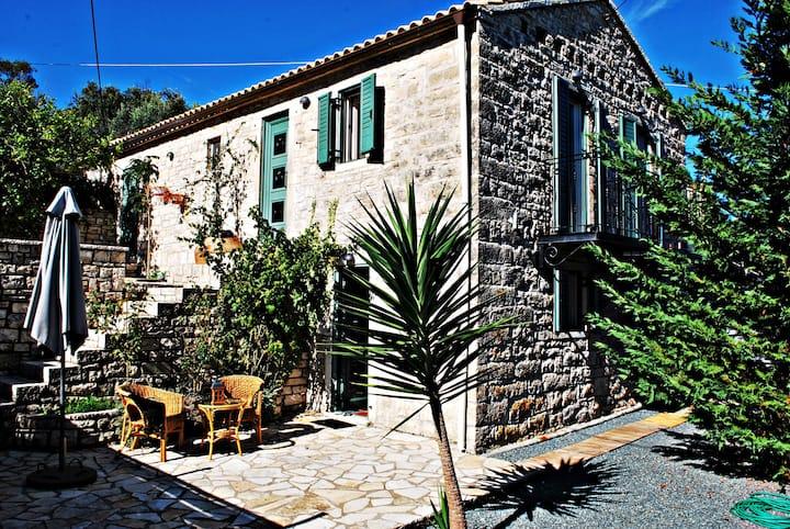 Paxos Holiday Villa (myPaxos) -MUST