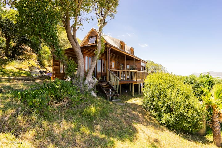 Chapman's Peak Cabin-Contact us for long stay rate