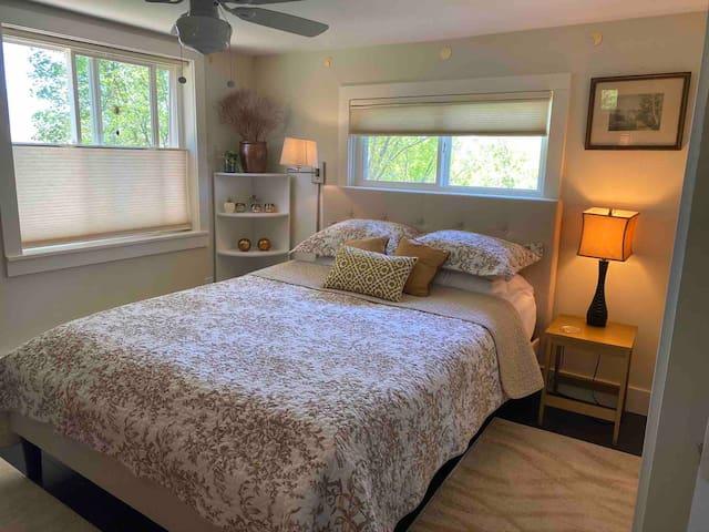 Bedroom # 1 Queen bed