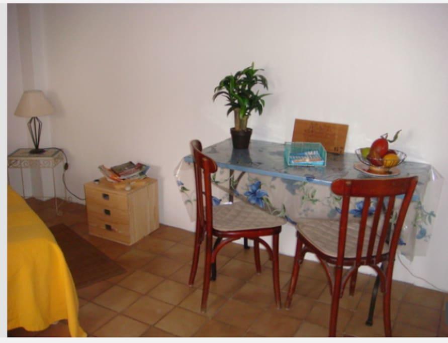Studio meubl sur bordeaux cauderan bordeaux for Studio meuble bordeaux