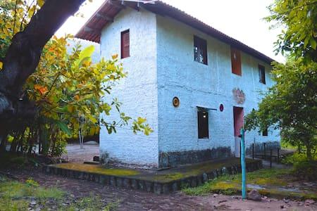 Aluguel de quartos por temporada (Quarto 2) - Pacatuba