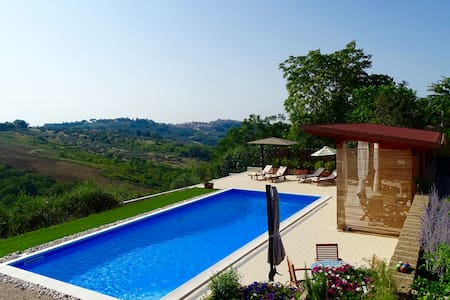 Beautiful Villa Private Pool Room 1 - Torino do Sangro - Bed & Breakfast