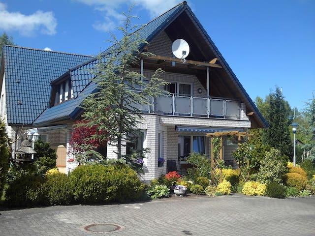 Ferienwohnung zum Wohlfühlen - Wilhelmshaven - Casa