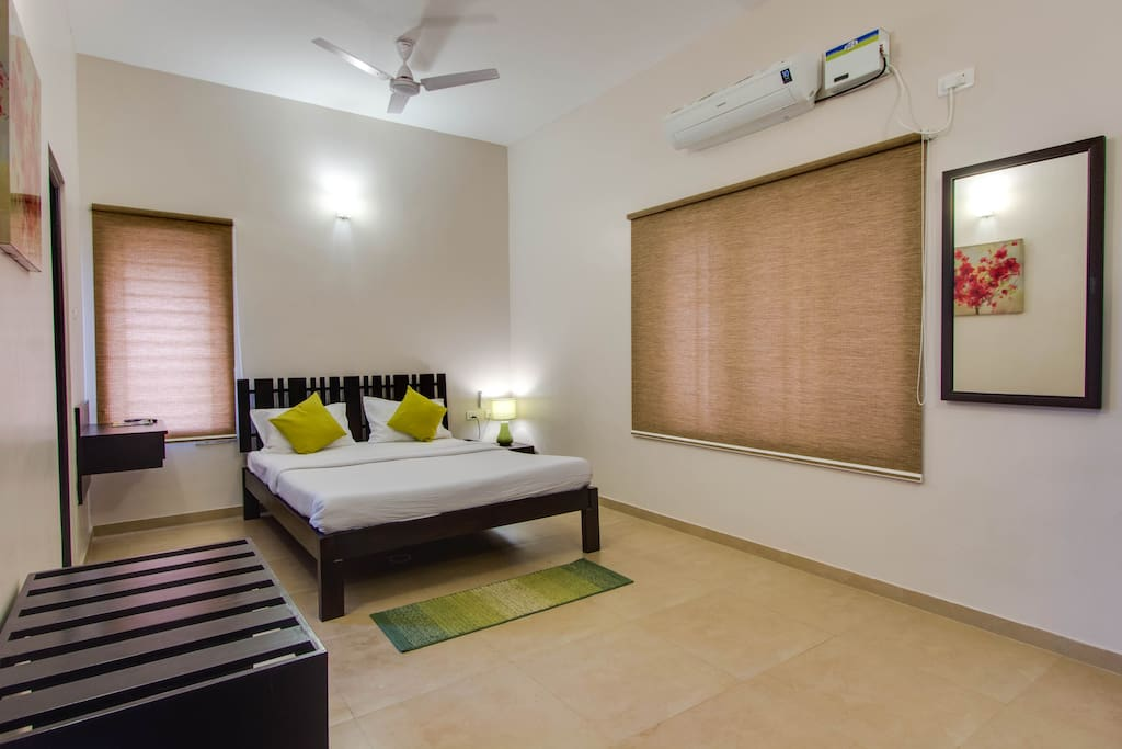 race course chat rooms Executive two bedroom apartment for rent at race courseit comes with a hall,two room, guest washroom for the two rooms,nice kitchen with cabinet,w.