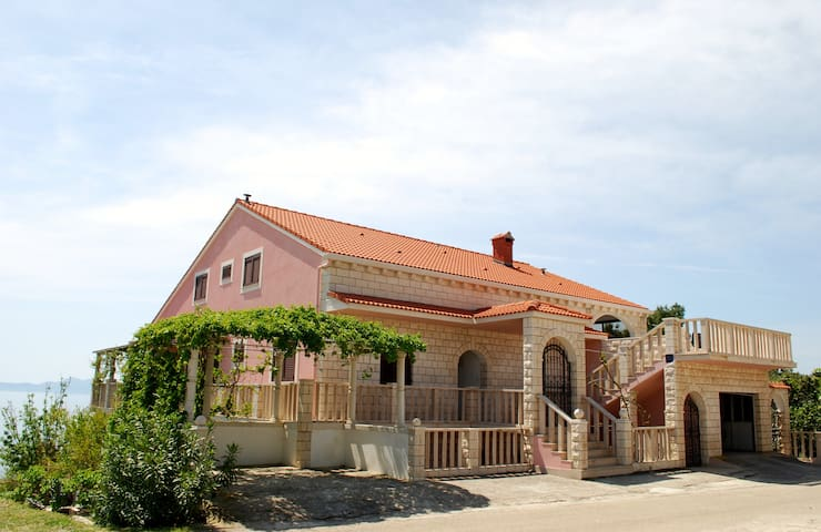 STUNING SEA VIEW APARTMENT - Korčula