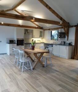 Fully accessible barn conversion. - Sutton Mandeville - 独立屋