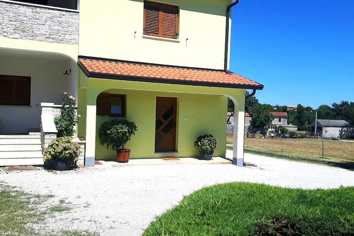 Holiday Apartment located in the heart of Istria, WiFi, private parking