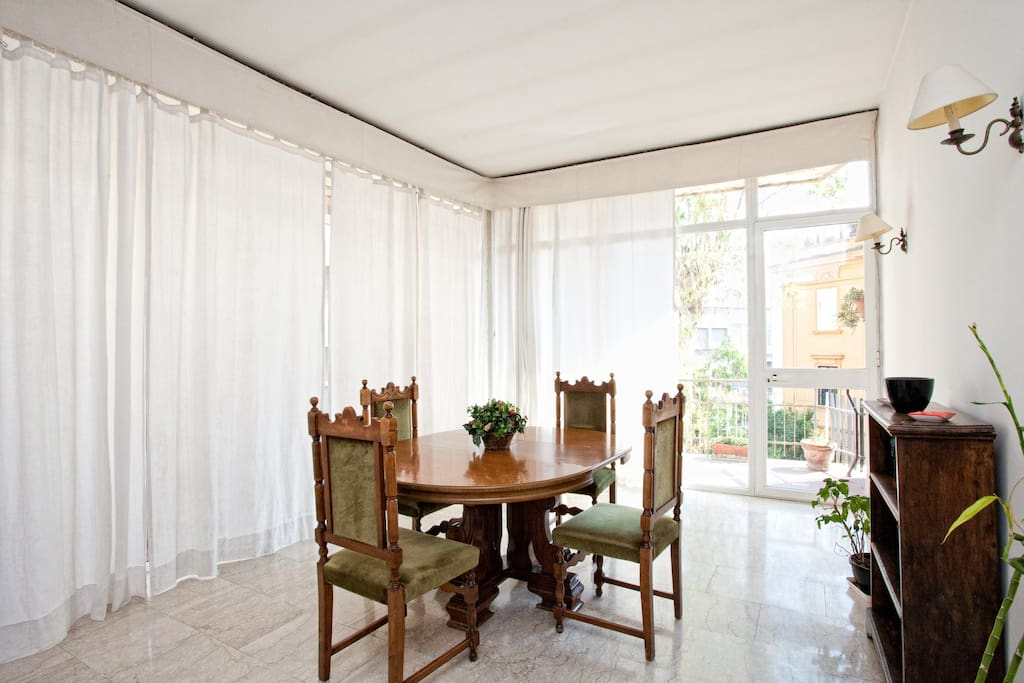 Dining room  with Balcony