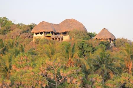 Rote Island Lodge