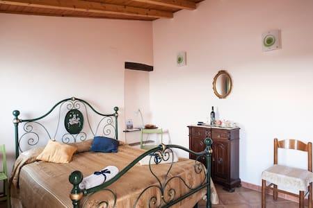AV1 Room + Top Wine tasting Milazzo - Santa Lucia del Mela