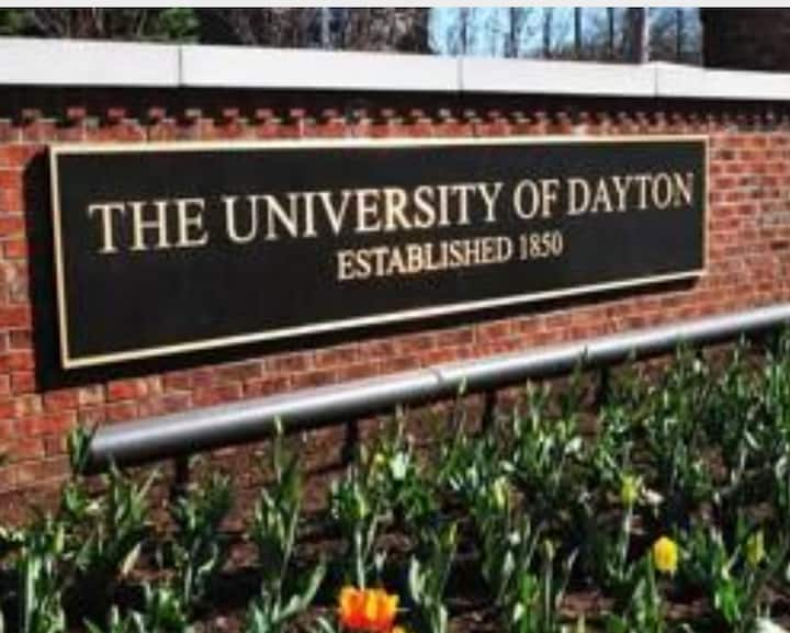 ★ 16 BEDS ★ UD CAMPUS ★ DOWNTOWN DAYTON ★