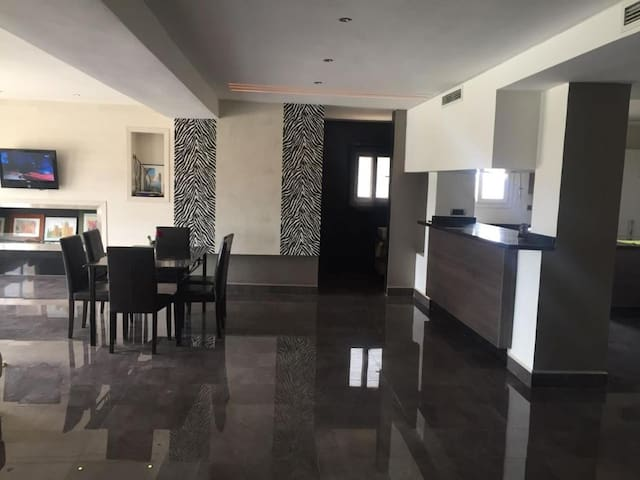 Beautiful apartment in Oujda w/ 3 Bedrooms and WiFi