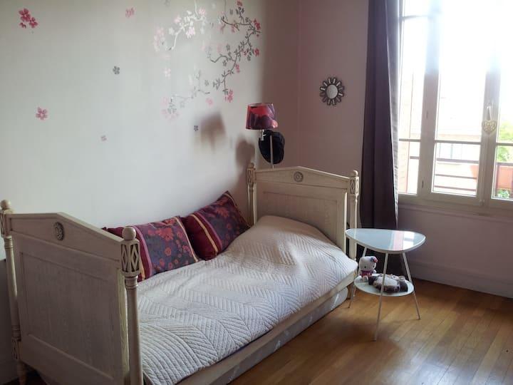 Chambre idéale pour travailler, proche Paris