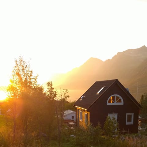 Cabin for retreat and adventure - Tromsø - Huis