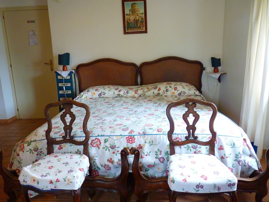 Double Room (up to 4 beds)  with en suite toilet - Camera matrimoniale (possibile quadrupla)