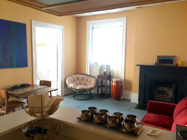 French Quarter Gem with Pool  - New Orleans - Apartment
