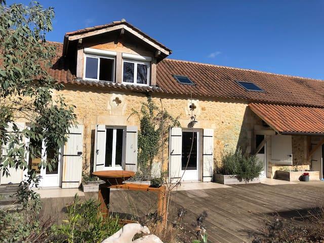 La Bergerie d'en Haut Les Veyssieres  Dordogne