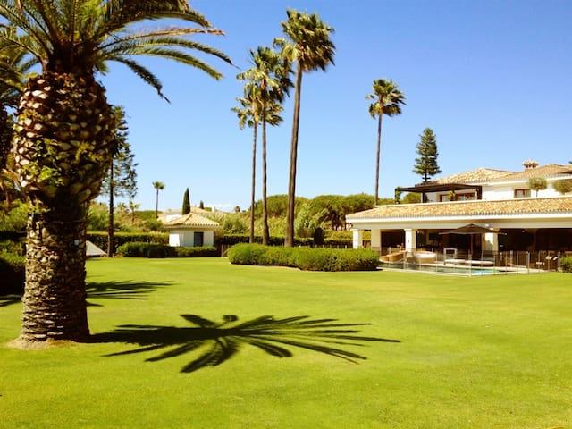 Luxury Beach Villa with Pool & Gym