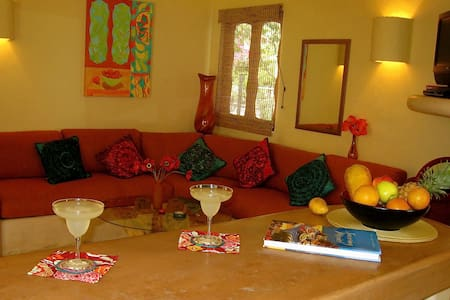 Luxurious Poolside Condo near Beach - Zihuatanejo