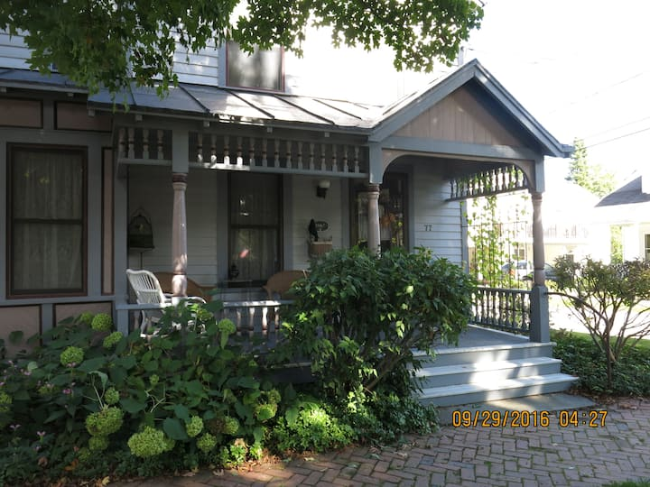 Charming 1860s Saratoga Home- Perfect for Weddings