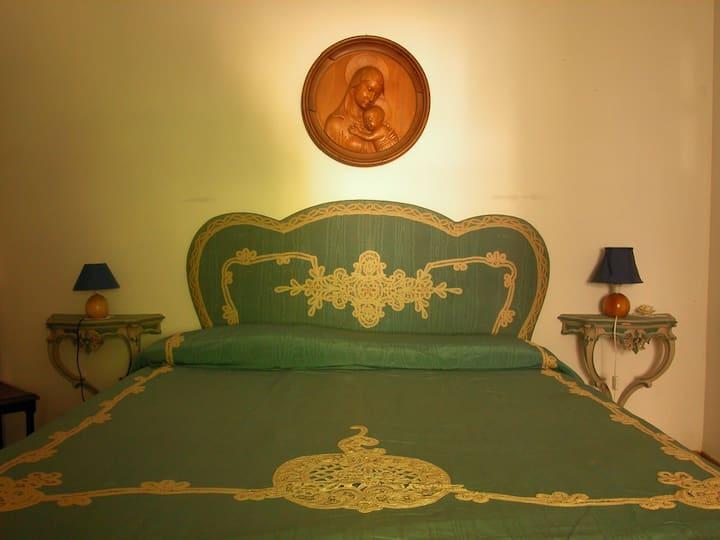 Double bedroom n°1 in the Green Ciociaria (Lazio)